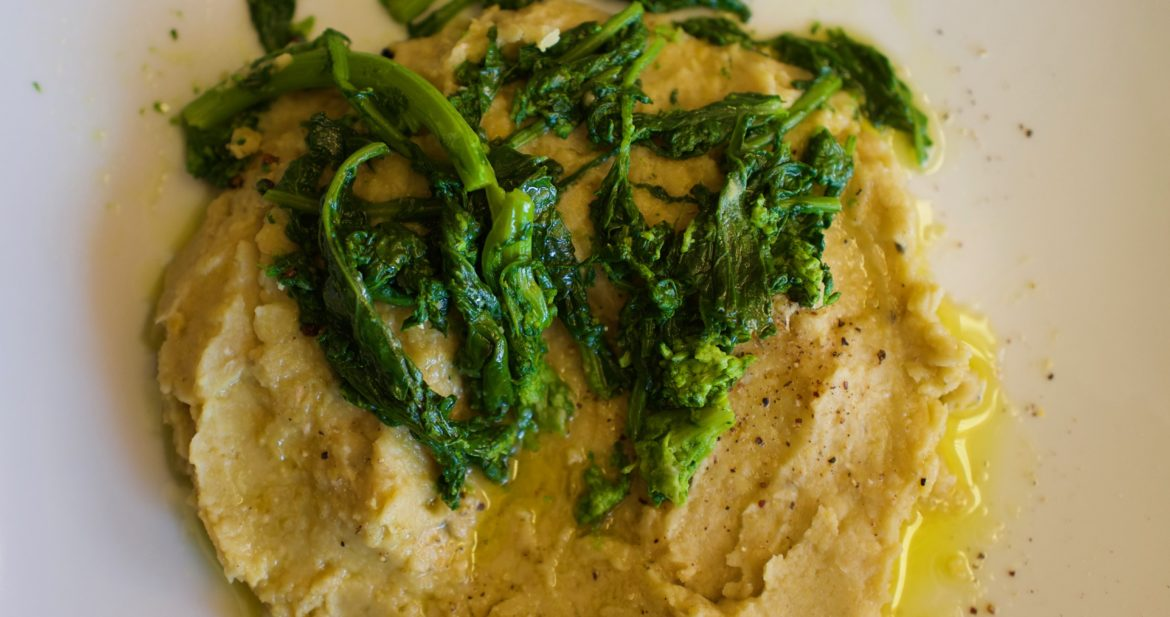 Crema di Ceci e Rapini, chickpea puree with broccoli rabe, by foodjoya