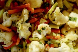 Herbed cauliflower with carrot zucchini by foodjoya
