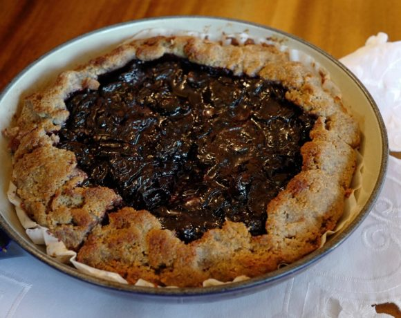 Paleo Cherry Pie, sugar-free, honey-sweetened by foodjoya