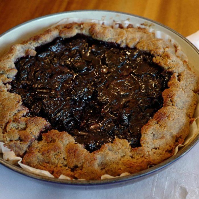 Paleo Cherry Pie, sugar-free, honey-sweetened by foodjoya